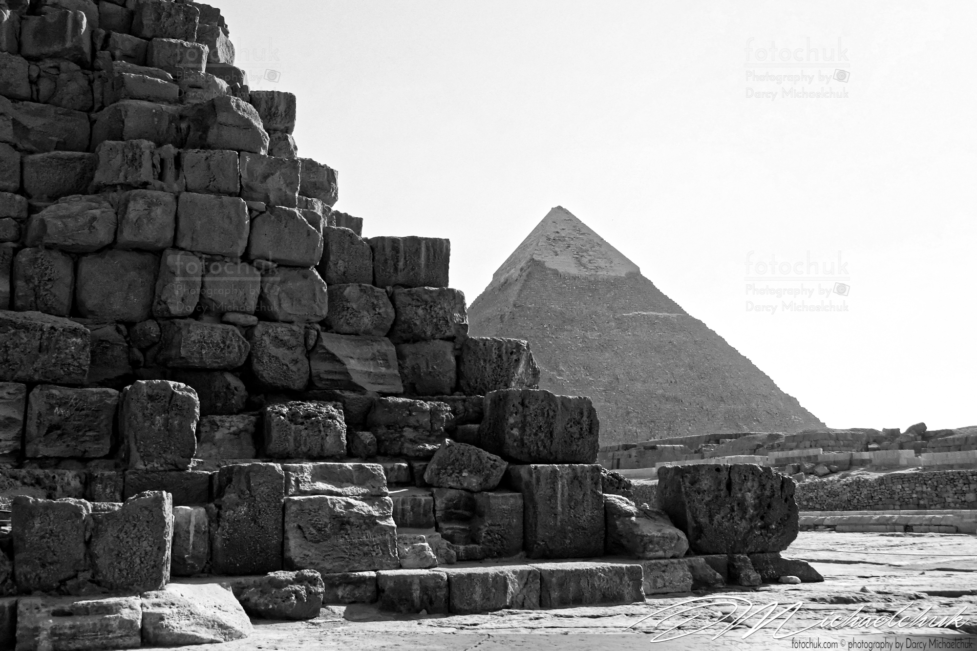 Great Pyramids, Khafre Black and White