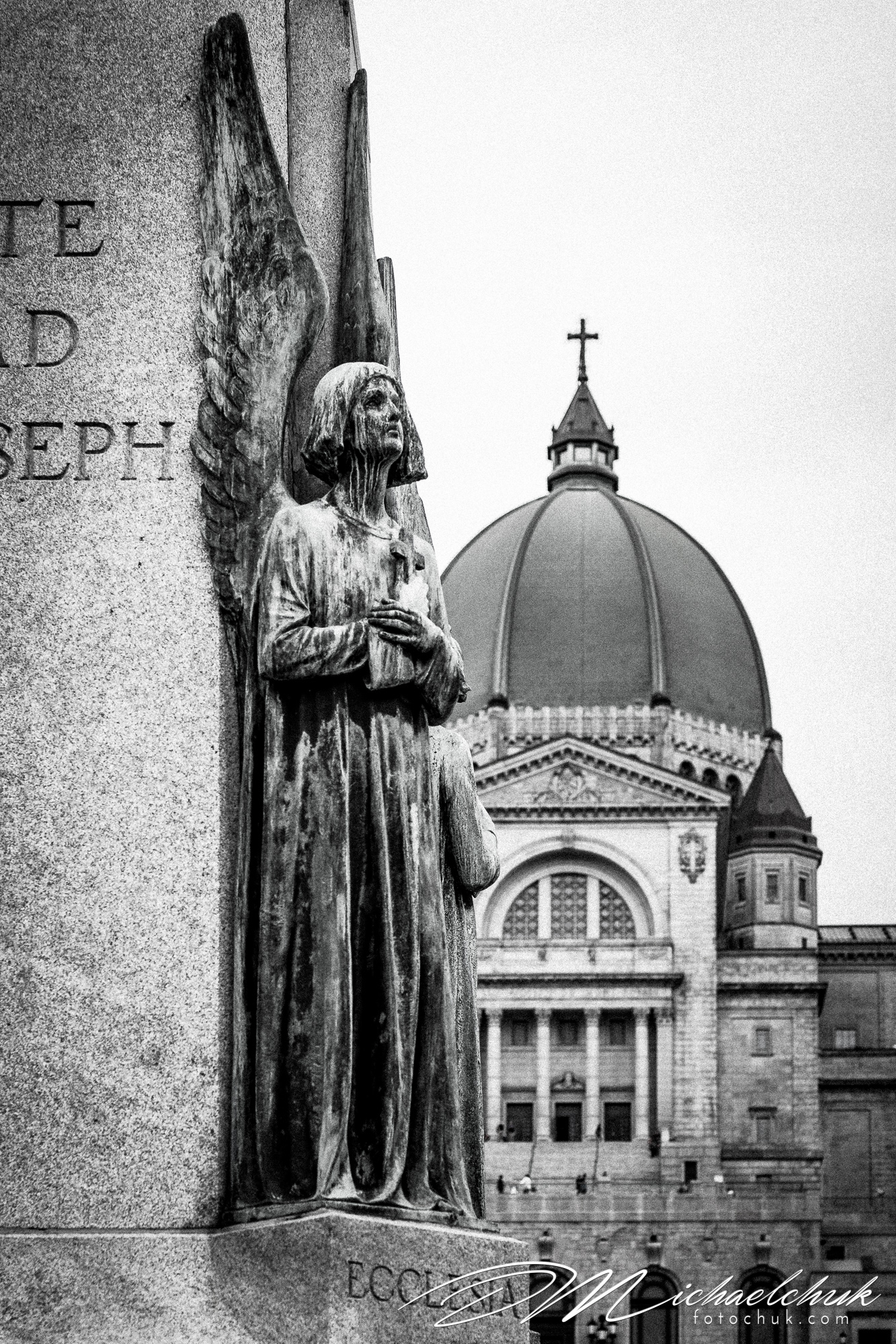 Statue in front of St. Josephs' Oratory